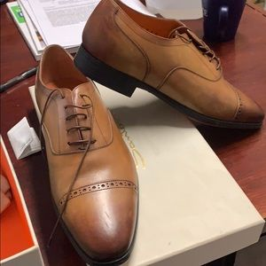 Men's Shoes 9.5 us brand new